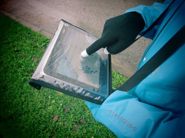 smart-device-gloves
